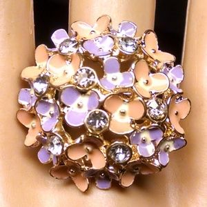 Rare Cluster Tiny flowers Rhinestones Sexy Ring